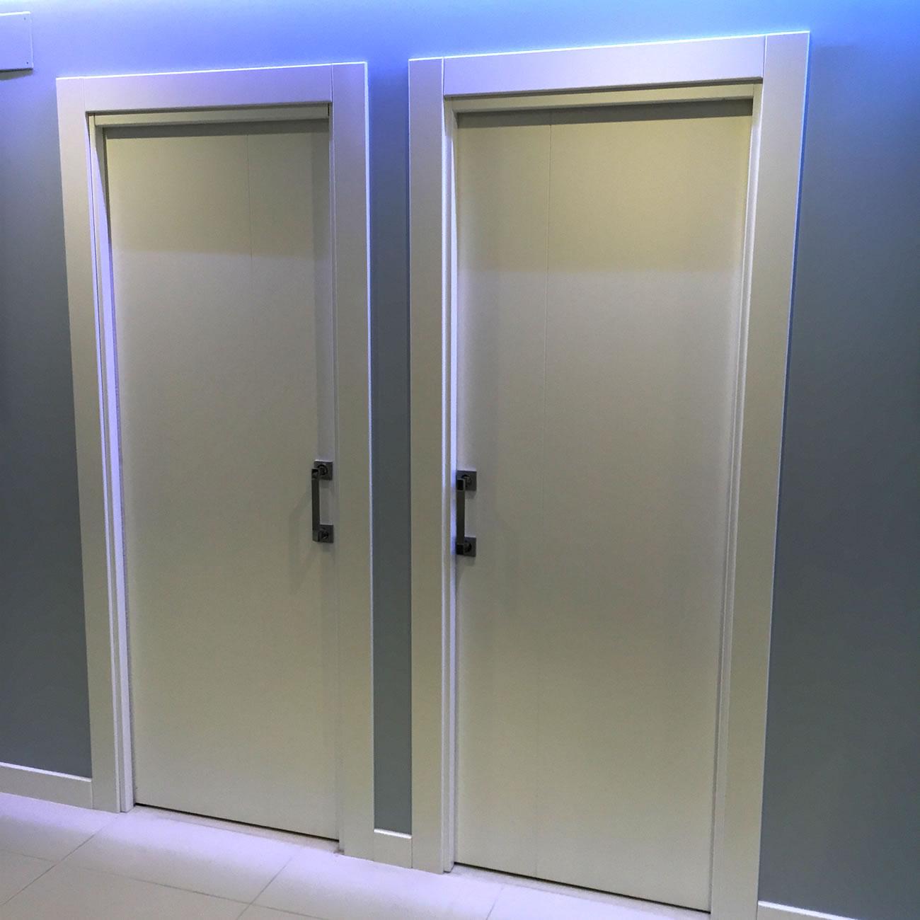 Puertas macizas lacadas en blanco